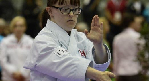"""Proiectul IKONS Erasmus + """"Karate inclusiv: o nouă perspectivă de a reduce stilul de viață sedentar și de a crește încrederea în sine în sindromul Down"""